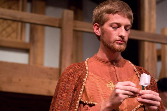 Isto Barton plucks a white rose to signify the beginning of the Wars of the Roses cycle in Henry VI part 1.