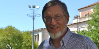 Bruce Hunt recipient of Raymond Dickson Centennial Endowed Teaching Fellowship