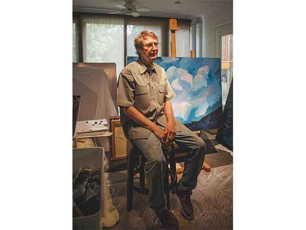 Professor Michael Adams featured in the Alcalde for his work as a painter