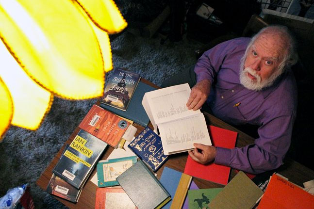 Professor Jerome Bump wins Liberal Arts Student Council Endowed Teaching Award for 2014-2015