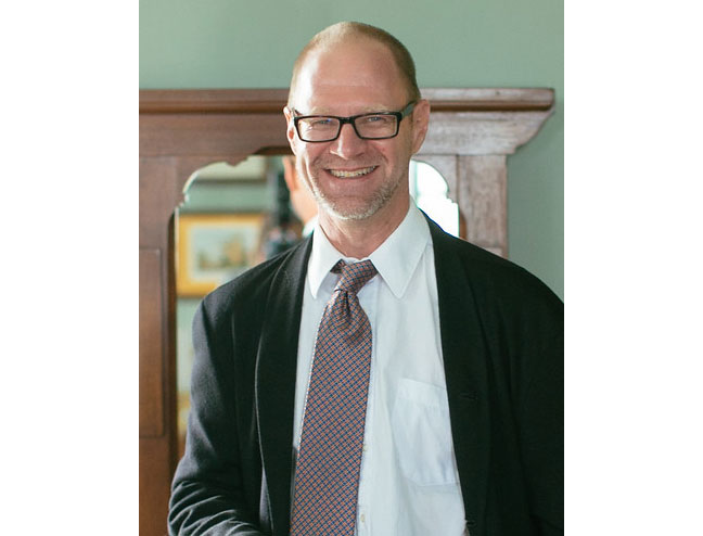 Professor Dan Birkholz has won the Raymond Dickson Centennial Endowed Teaching Fellowship