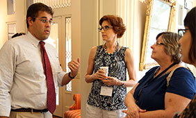 UT Austin history professor Jeremi Suri networks with teachers at a previous seminar.