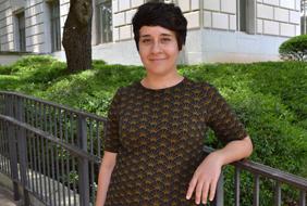 Elizabeth Cozzolino Wins Parker Frisbie Graduate Student Paper Competition