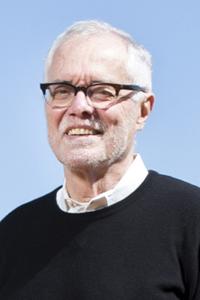 Larry D Carver